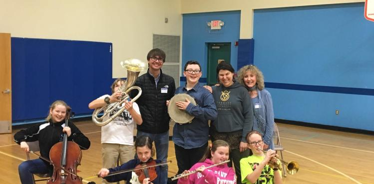 Musical Petting Zoo at Newport City School